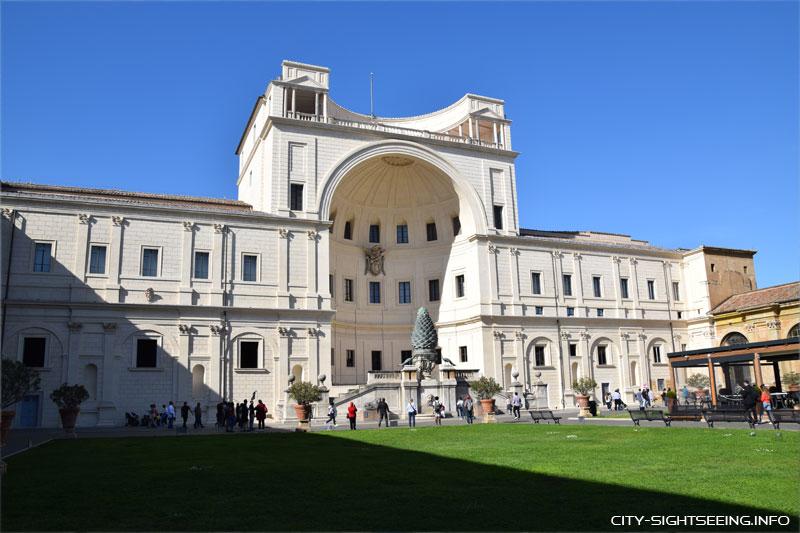 Cortile del Belvedere, Rom
